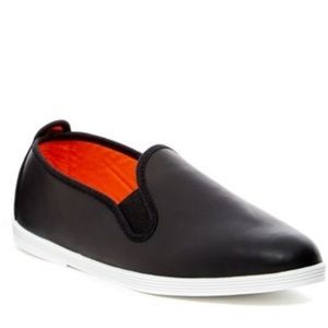 Flossy Style Spain Shoes - Black leather Madrid Leather Slip-On (size 6)